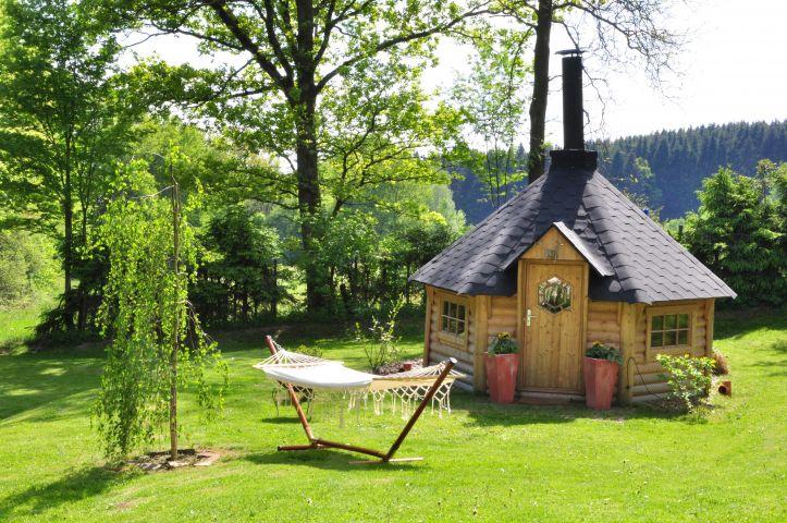 Garten mit Grillhütte
