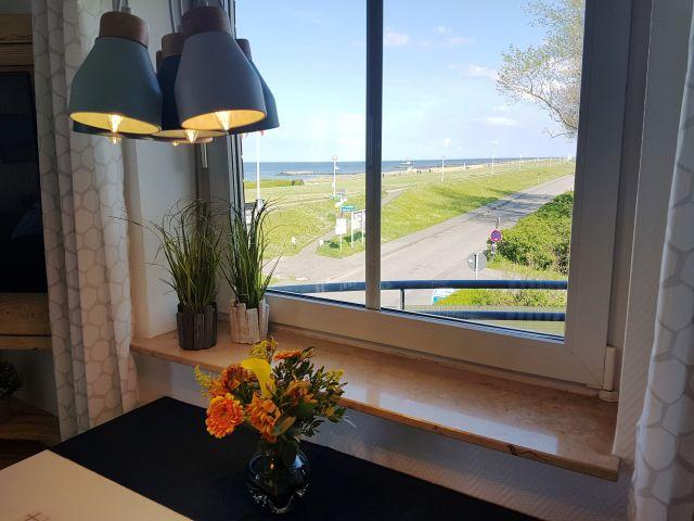 Luxus schlafzimmer mit meerblick  Luxus FeWo Buhne 22 nur 20 Meter zur Ostsee mit Meerblick