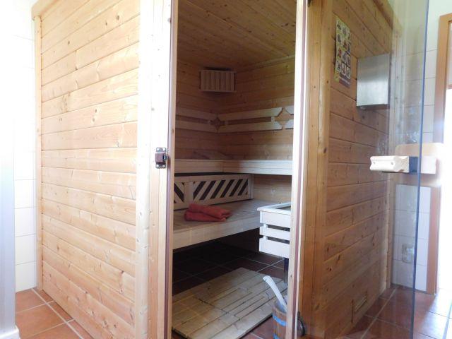 Sauna im Bad unten