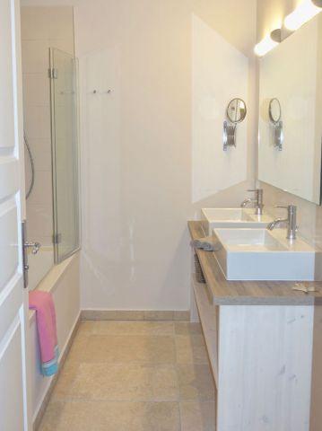 Modernes Badezimmer