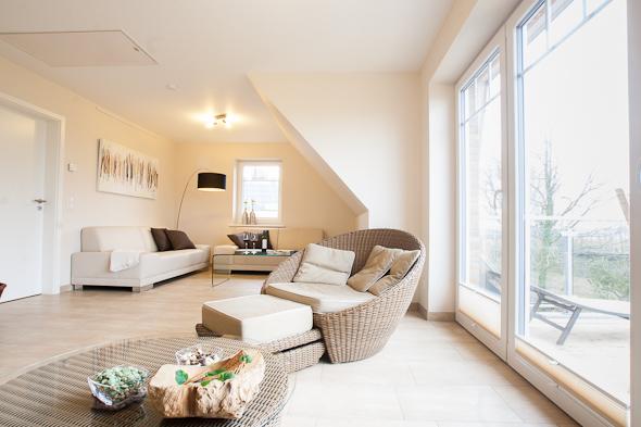luxus ferienhaus mit spa berreich und eingez untem garten. Black Bedroom Furniture Sets. Home Design Ideas
