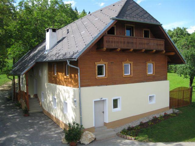 herrliches ferienhaus auf einem bio bauernhof in den bergen. Black Bedroom Furniture Sets. Home Design Ideas