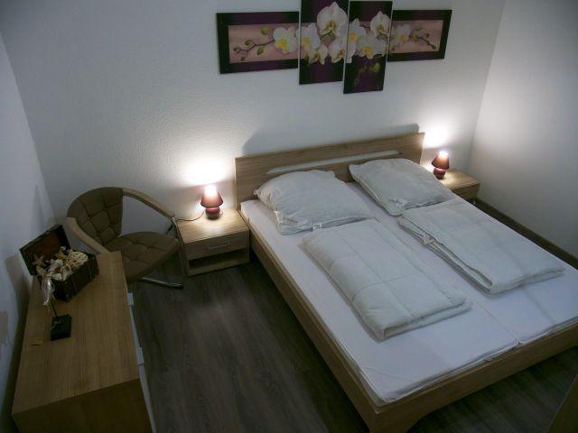 middel direkt am alten hafen. Black Bedroom Furniture Sets. Home Design Ideas