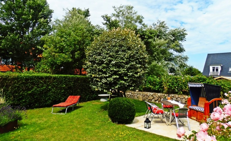 Garten -  Ferienwohnung SYLTER DEICHWIESEN