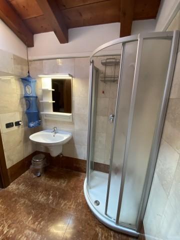 Das Badezimmmer im Erdgeschoss