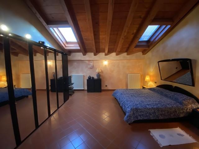 das 2.e Schlafzimmer im Obergeschoss