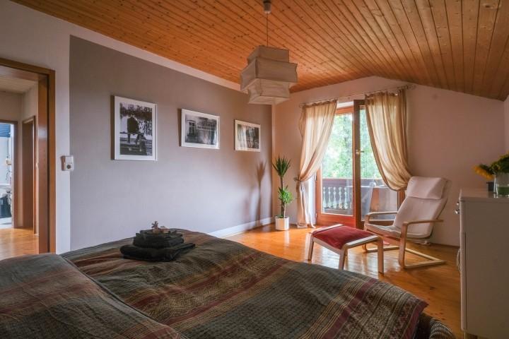 Schlafzimmer 1 mit Zugang Balkon