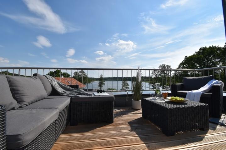 Dachterrasse mit Blick auf den Altdorfer See