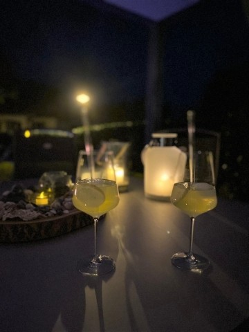 Cocktail by night