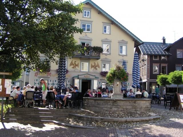 Ihr lieblicher Urlaubsort Oberstaufen im Allgäu mit vielfältigen gastronomischen Angeboten (von typisch allgäuerisch bis international)