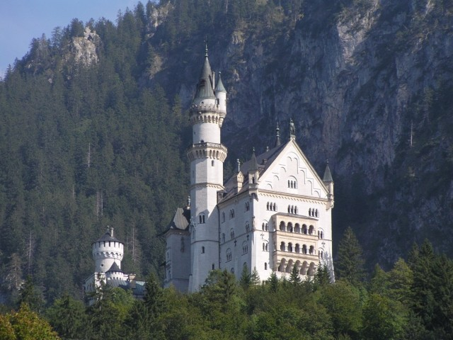 Unser Ausflugstipp: Das weltberühmte Königsschloss Neuschwanstein in Füssen im Allgäu sowie das Nachbarschloss Hohenschwangau