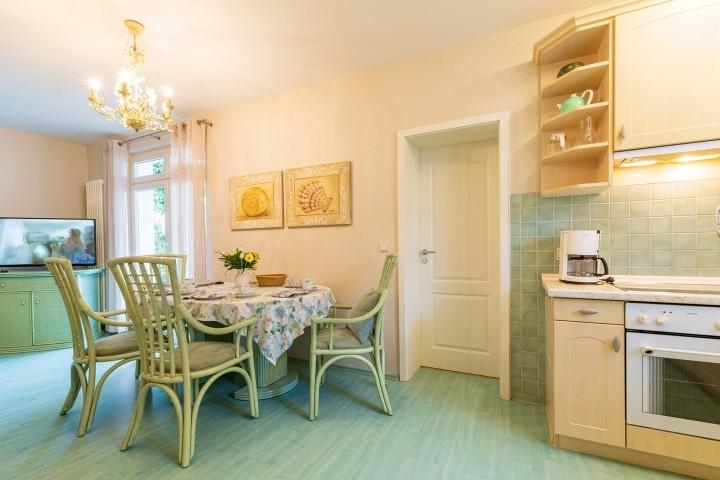 Küche mit Essplatz