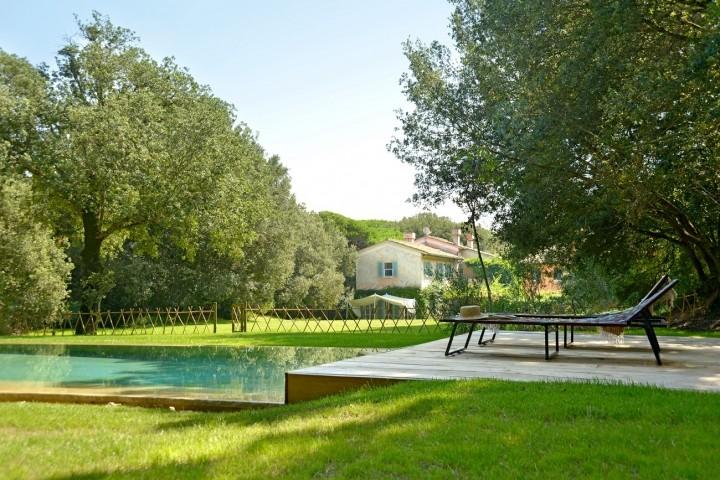 Haus mit Pool und Garten