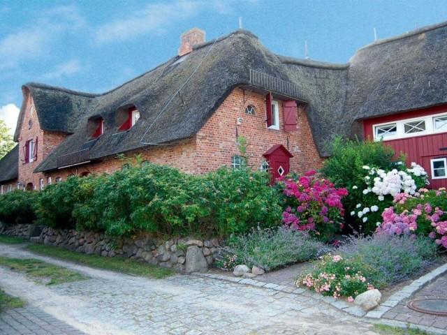 Der Hahnenhof ist ein toll renovierter Hof - wir freuen uns auf Euren Besuch!