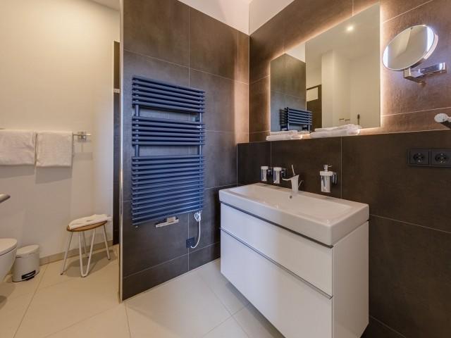 Modernes Badezimmer im Yachthaus Stil