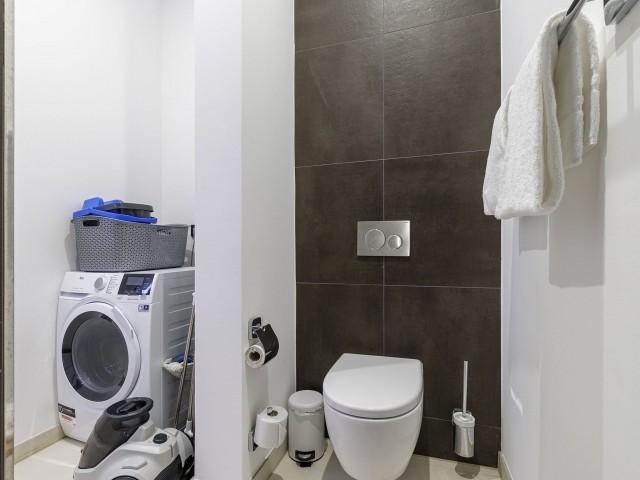Badezimmer mit Waschtrockner