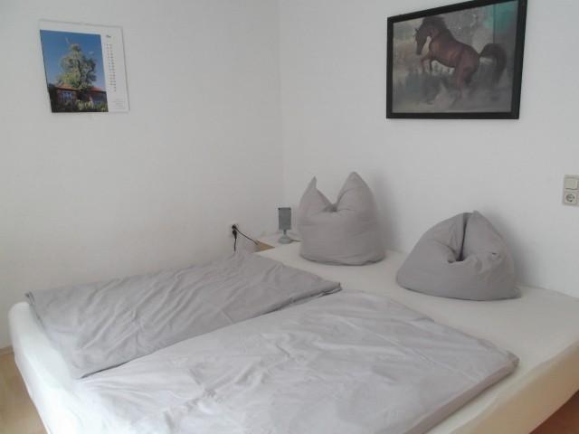 Schlafzimmer 1 mit Wasserbett 220x200