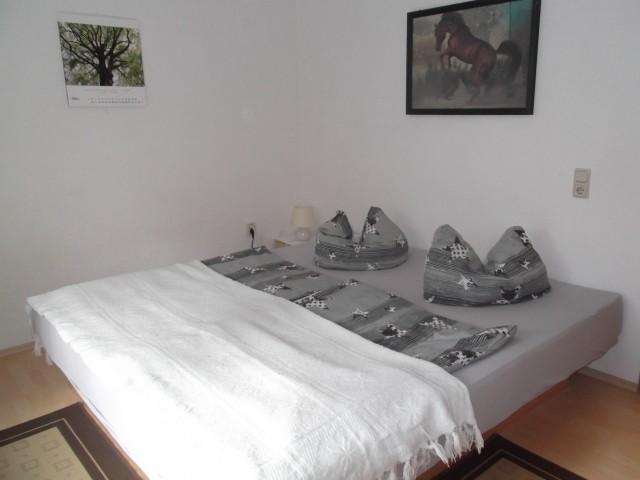 Wasserbett im Schlafzimmer 1