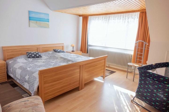 Schlafzimmer 2 mit zusammenstehenden Einzelbetten