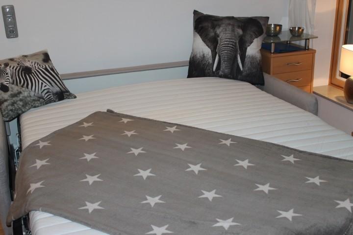 Schlafcouch ausgezogen 160x200