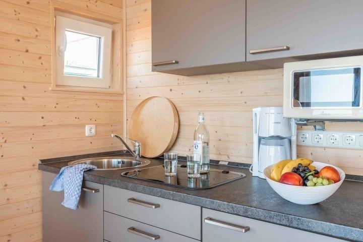 Umfassend ausgestattete Küchenzeile