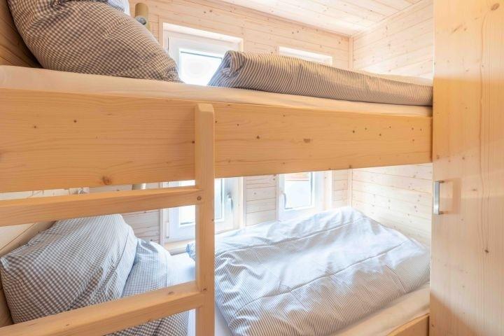 2. Schlafzimmer mit Etagenbett (0,90 x 2,00 m)