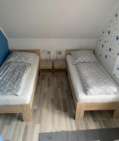 Schlafzimmer 2- 2x Einzelbett (90x 200 cm)