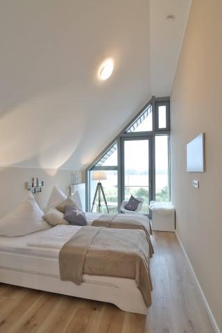Schlafzimmer mit Blick auf den Binnensee