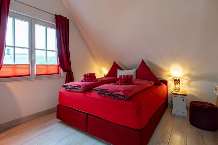 Schlafzimmer 180 x 200 cm