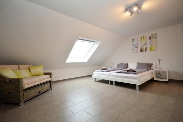 Schlafzimmer mit Doppelzimmer