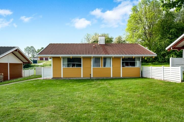Schönes, gemütliches Ferienhaus mit Blick auf Barsø. Viel Natur für Spaziergänge mit dem Hund