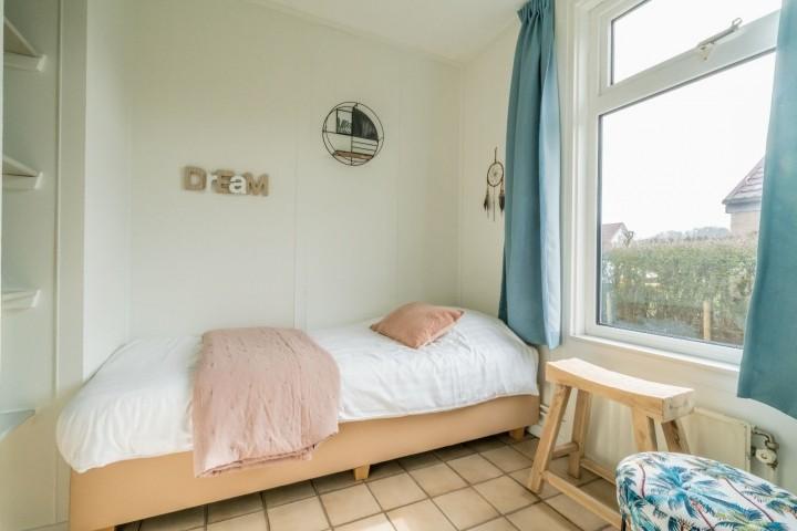 Schlafzimmer 3 mit Einzelboxspringbett