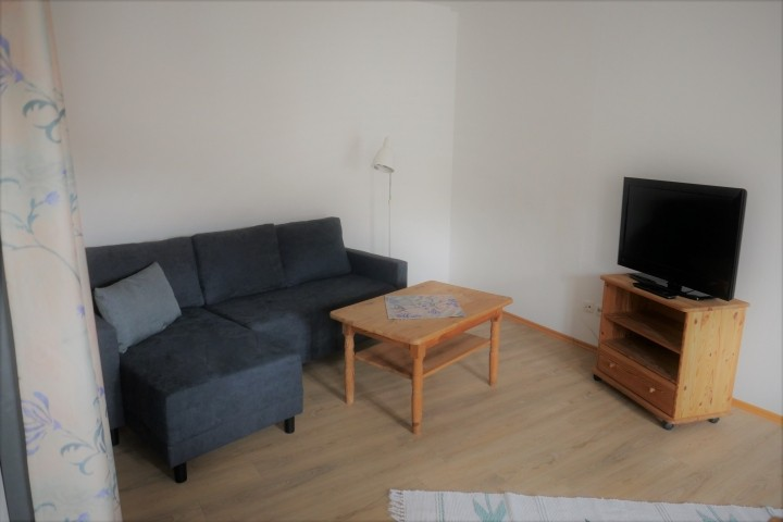 Sofa, TV
