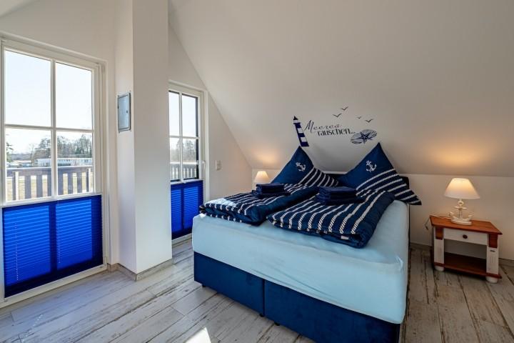 Schlafzimmer 1 mit 180 x 200 cm