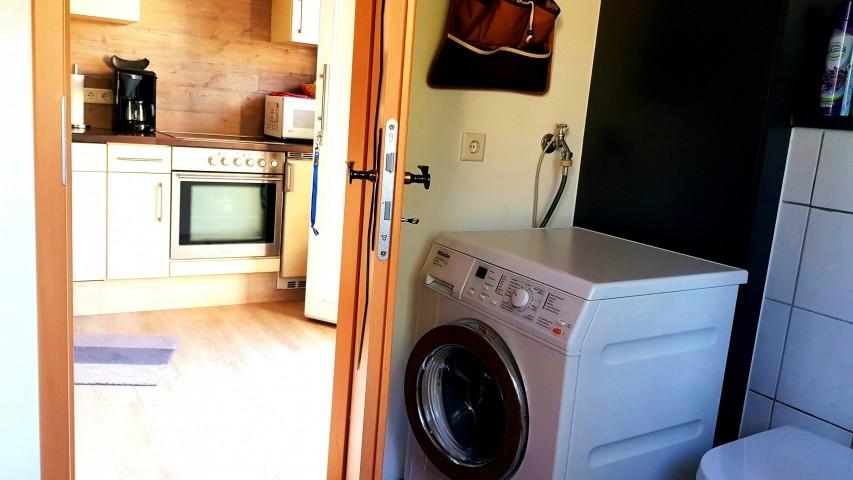 Im Bad die Miele-Waschmaschine