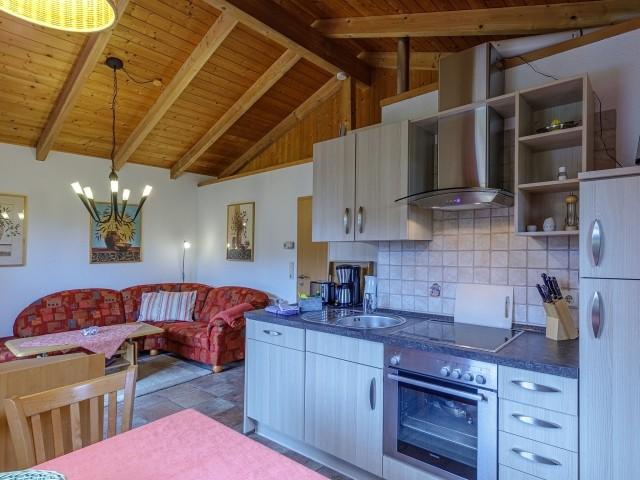 Einbauküche im Wohn- und Essbereich