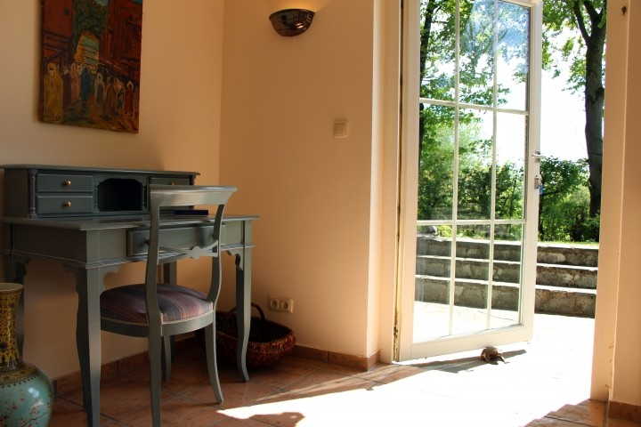 Schreibtisch im Schlafzimmer West im Gartengeschoß