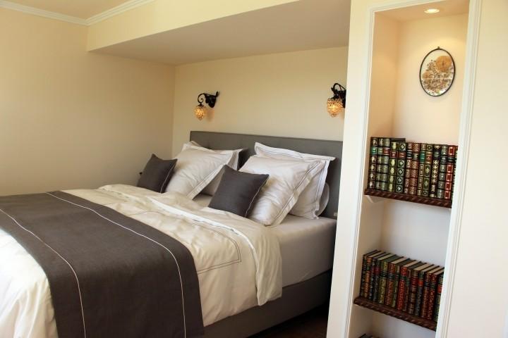 Schlafzimmer West im Gartengeschoß