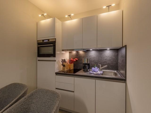 Vollausgestattete moderne Küche