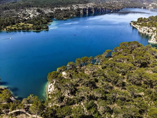 Der Lac d'Esparron
