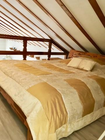 Schlafplätze auf der offenen Galerie