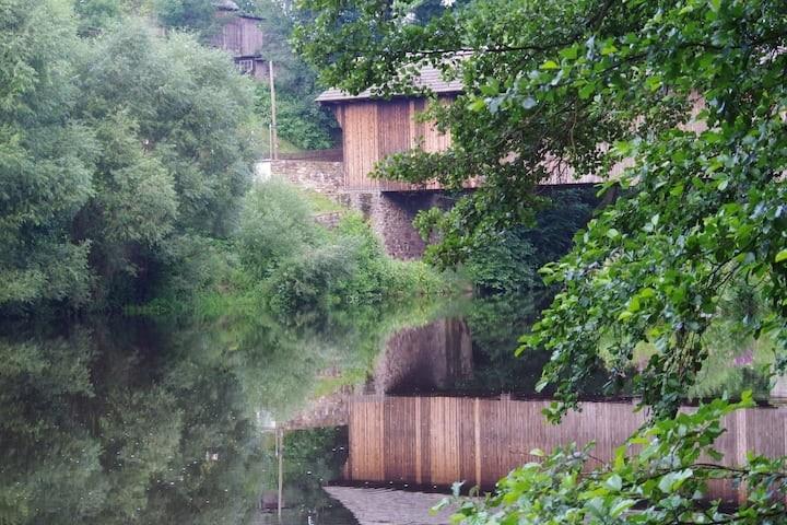 Holzbrücke über den Fluß Flöha