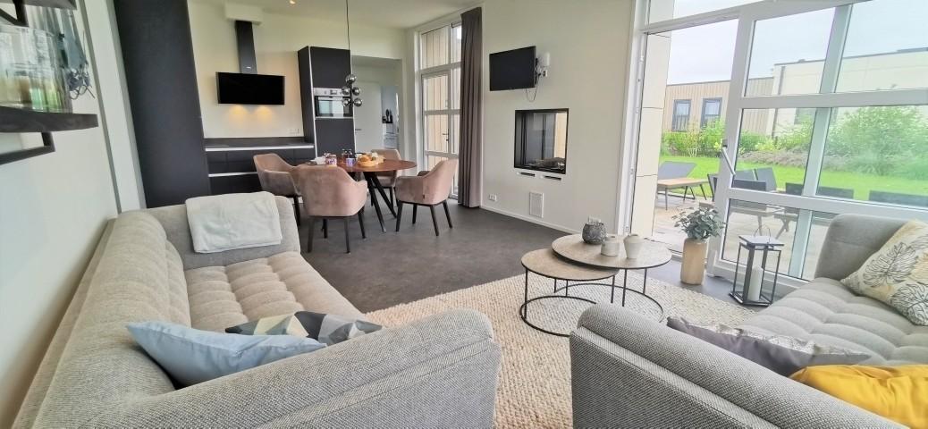 Wohnzimmer mit komfortabler Sitzecke