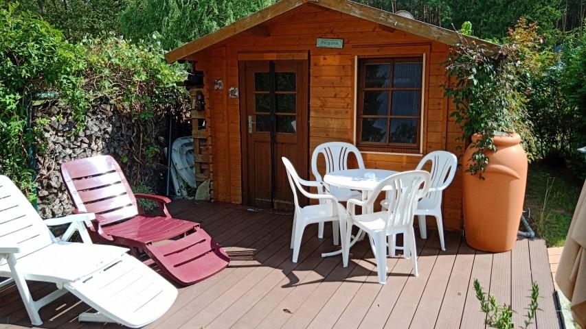 Holzhaus mit Etagenbett