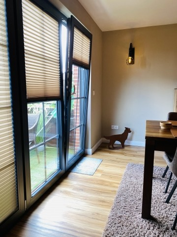 Wohn-Essbereich, Ausgang zum kleinen Balkon
