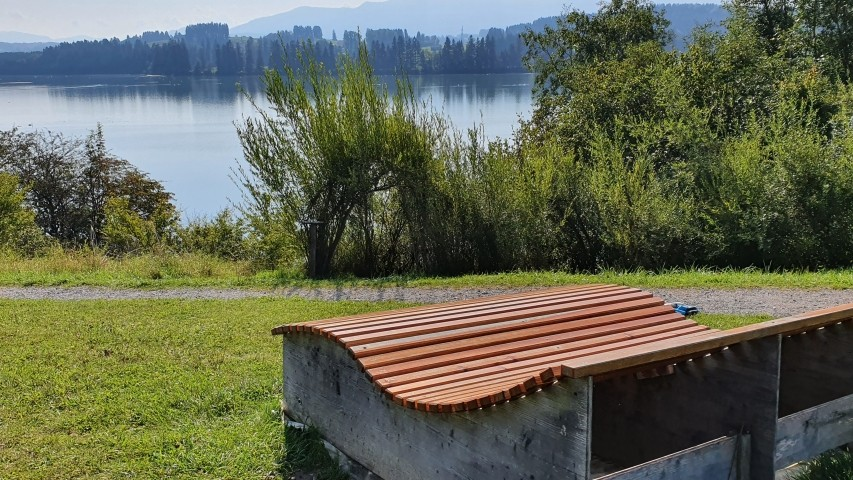 Lechsee mit Bank