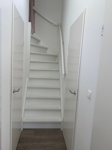 Treppen zum OG 3. Schlafzimmer Deckenhöhe 1m 40