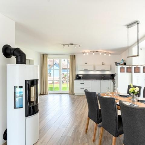 Großer Wohn-Ess-Küchenbereich