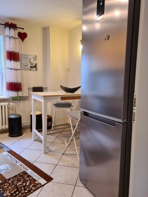 grosser Kühlschrank und Gefrierschrank