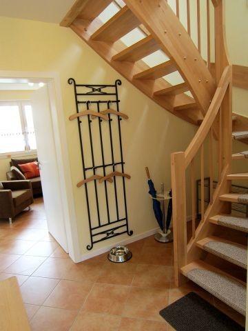 Treppe mit Teppichstufenbelag